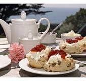 Clotted Cream zelf maken 1 bekertje slagroom (125 ml)* 1/2 bak mascarpone (à 250 g)* ipv mascarpone kun je ook creme fraiche nemen