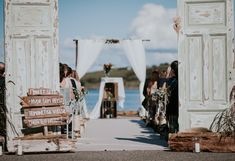 10 gjør det selv-tips til bryllupet Wedding Suits, Wedding Dresses, Image, Bride Dresses, Wedding Outfits, Bridal Gowns, Weeding Dresses, Wedding Dressses, Suits