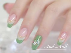 Light green nail design♫