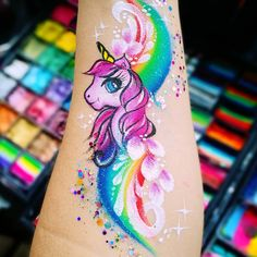 Image may contain: one or more people and closeup Face Painting Unicorn, Face Painting Tips, Girl Face Painting, Face Painting Designs, Painting For Kids, Dream Tattoos, Body Art Tattoos, Fibromyalgia Tattoo, Hand Kunst