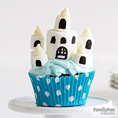 Candy Castle: Throw a celebration right out of a fairy tale with these dreamy marshmallow fortresses.