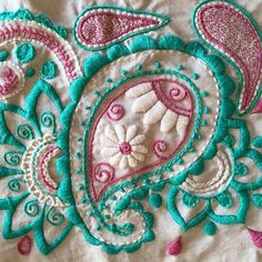 I& like to copy the floral burst on the curtains onto a pillow and finish it in crewel. Bordado Paisley, Paisley Embroidery, Zardozi Embroidery, Embroidery Monogram, Machine Embroidery Applique, Hand Embroidery Patterns, Embroidery Thread, Cross Stitch Embroidery, Embroidery Designs
