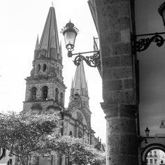 #100happydays #day98 #GUADALAJARA #ArquitecturadeGuadalajara #catedral #arco #dobelas