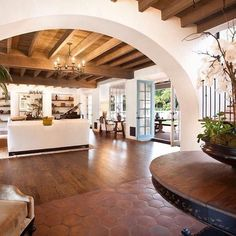 Spanish style homes – Mediterranean Home Decor Hacienda Style Homes, Spanish Style Homes, Spanish House, Spanish Style Interiors, Spanish Colonial Decor, Spanish Style Decor, Spanish Revival Home, Spanish Kitchen, Spanish Tile