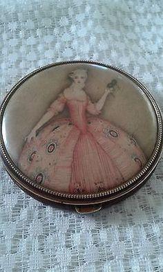 Beautiful Vintage Silk Under Celluloid Powder Compact ( USA Pat No: 1598991 )