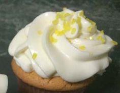 Ricetta Namelaka. E' una crema senza uova, a base di cioccolato, inventata da un pasticcere nipponico. Molto di moda ma per alcune torte è fondamentale. Recipe Images, Gelato, Frosting, Food Porn, Pudding, Cupcakes, Desserts, Recipes, Biscotti