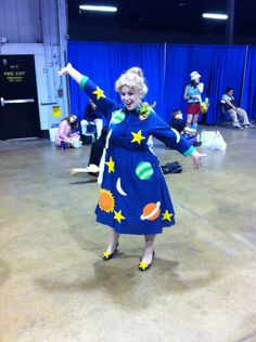 Ms. Frizzle from The Magic School Bus   16 Halloween Costumes Only '90s Kids Will Understand