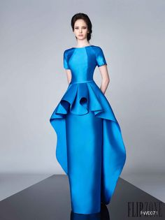 Divina by Edward Arsouni Fall-winter - Ready-to-Wear Blue Fashion, African Fashion, Autumn Fashion, Beautiful Gowns, Beautiful Outfits, Evening Dresses, Prom Dresses, Mode Chic, Lela Rose