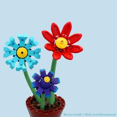 LEGO Flowers by bruceywan Fun Crafts To Do, Diy And Crafts, Crafts For Kids, Lego Design, Lego Projects, Projects To Try, Lego Flower, Lego Tree, Lego Wedding