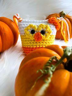 Candy Corn - Amigurumi Owl - Halloween Series pattern by Jennifer Orengo Crochet Fall, Halloween Crochet, Owl Patterns, Crochet Patterns, Crochet Ideas, Halloween Series, Afghan Blanket, Loom Knitting, Candy Corn