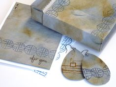 Gift box, earrings and card made from kraft•tex™. Designed by Donna Baker
