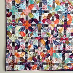 Saw Bijoulovely Quilt and had to make one for myself. I also used Badskirt's tutorial and @annamariahorner beautiful Fieldstudy fabric. Just a few feet of binding left to sew down.