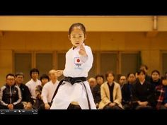 "Genius karate girl ""Mahiro Takanao"" at Tsubame Martial Arts Festival - YouTube"