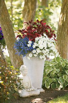Spirit of 76 - great ideas for flower mixes in containers.