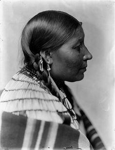 Wife of American Horse, Dakota Sioux, by Gertrude Käsebier, ca. 1900