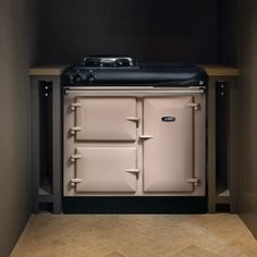 The new electric cast-iron AGA 3 Series with induction hob. Radiant heat cooking and iconic design as standard. Best Cooker, Aga Cooker, Electric Aga, Aga Kitchen, Aga Range, Cast Iron, It Cast, Copper Tub, Cooking Supplies
