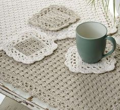 I have personally used this pattern, I loved it then and I love it now. Options Placemat Coaster Crochet Pattern - designed by Marilyn Coleman. Pattern free at Red Heart Yarn. Crochet Stitch, Free Crochet, Knit Crochet, Crochet Shawl, Crochet Baby, Crochet Dishcloths, Crochet Doilies, Diy Crochet Placemats, Crochet Edgings