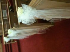 tulle and vintage rose pew markers