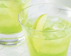 Long Weekend Mocktail:  In a rocks glass filled with ice, add ¼ oz. lime juice and 4 oz. Jones Green Apple soda. Garnish with 1/8 cup diced green apples.