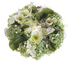 Co s umělými květinami? Co takhle třeba věnce? Věnce jsou tradiční, vděčný a zdá se, že věčný dekorační prvek jakéhokoliv prostoru. A proto je výroba,...