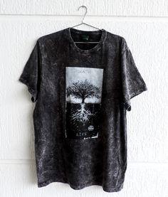 Metal T Shirts, Loose Shirts, Mens Tee Shirts, Printed Shirts, Band Shirt Outfits, Nomad Fashion, Bleach Shirts, Cool Outfits, Fashion Outfits