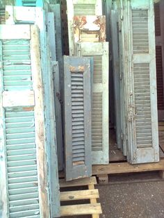 I always have shutters. They are so great for displays and just to add a piece of rustic charm to any garden, outdoor area or inside any room in your home! Old Shutters Decor, Shutter Decor, Vintage Shutters, Blue Shutters, Wooden Shutters, Window Shutters, Old Windows, Old Doors, Architectural Salvage