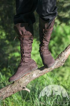 Available in: brown leather, black leather, white leather, matte brown leather, matte black leather :: by medieval store ArmStreet Costume Renaissance, Medieval Costume, Leather Boots, Brown Leather, Medieval Clothing, Medieval Boots, Medieval Knight, Medieval Fantasy, Fantasy Costumes