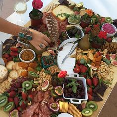 #spelldesigns cheeseboard - The biggest platter we've ever seen!!! With a side of cactus !!! The best knock off moments! #spotthecacti