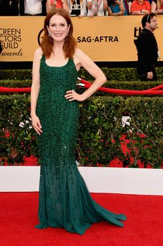 Screen Actors' Guild Awards: Julianne Moore in Givenchy Haute Couture by Riccardo Tisci