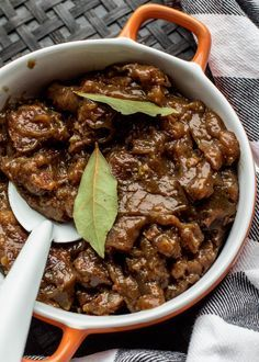 Healthy Slow Cooker, Healthy Crockpot Recipes, Slow Cooker Recipes, Healthy Meals For Two, Easy Meals, Beef Bourguignon, Dinner Is Served, Food For A Crowd, Fish And Chips