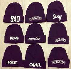 I like the stay weird beanie the one smack in the middle Snapback Hats, Beanie Hats, Pretty Outfits, Cool Outfits, Cool Beanies, Neff Beanies, Trajes Kylie Jenner, Cute Hats, Textiles