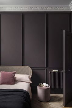 Paint colour inspiration: 31 of the best wall paint colours Plum Walls, Dark Walls, Cool Walls, Best Wall Paint, Wall Paint Colors, Paint Walls, Dark Interiors, Colorful Interiors, Home Design
