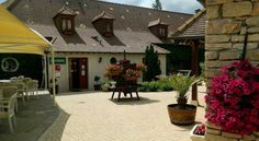 Hotel Restaurant Le Clos De La Vouge - 3 Star #Hotel - $90 - #Hotels #France #Vougeot http://www.justigo.tv/hotels/france/vougeot/le-clos-de-la-vouge_82383.html