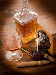 Glass of whisky, a smoking pipe and tobacco Cigars And Whiskey, Good Cigars, Pipes And Cigars, Bourbon Whiskey, Whiskey Girl, Cocktails, Alcoholic Drinks, Beverages, Roll On Bottles
