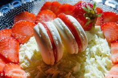 Macarons Rezept mit Erdbeermarmelade.