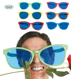 Jättiaurinkolasit+2 Rock, Sunglasses, Halloween, Frame, Picture Frame, Skirt, Locks, Rock Music, The Rock