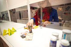 Vitrinendekoration - Aufbau des Messestandes der Jung Bonbonfabrik auf der 51. PSI vom 09. - 11. Januar 2013 auf dem Messegelände in Düsseldorf