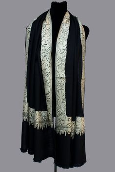 Hand Tilla/Zari (Metallic Embroidery) Pure Pashmina/Cashmere Shawl, Handwoven on Hand loom & Hand Embroided in Kashmir, Luxury, Masterpiece. by BabaPashminaStore on Etsy Cashmere Pashmina, Pashmina Shawl, Hand Embroidery, Hand Weaving, Kimono Top, Glamour, Pure Products, Silk, Luxury