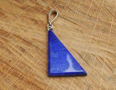 Een persoonlijke favoriet uit mijn Etsy shop https://www.etsy.com/nl/listing/456079348/figure-afghaan-lapis-lazuli-pendant-blue