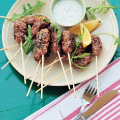 Kofte-style Kebabs #Starter #Recipe #Kebabs #SouthAfrica Kebabs, Skewers, Good Food, Yummy Food, Delicious Recipes, Delicious Burgers, Perfect Food, Beef Recipes, Appetizers