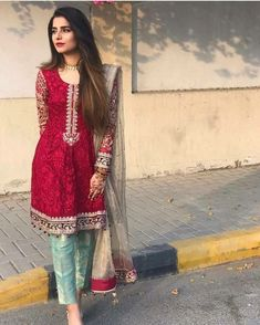 An unexpected beautiful combination. Pakistani Wedding Outfits, Pakistani Dresses, Indian Dresses, Indian Outfits, Eastern Dresses, Casual Dresses, Fashion Dresses, Shadi Dresses, Desi Clothes