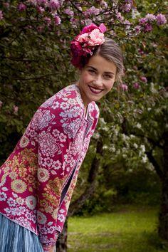 Oleana Norwegian Cardigan Design 189-AV, Knit Top Design 138-AV,  Wristlets Design 194-AV, Oleana Norwegian Sweaters, Blankets, Scarves