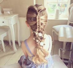 Popular hairstyles for school Flower Girl Updo, Flower Girl Hairstyles, Little Girl Hairstyles, Hairstyles For School, Pretty Hairstyles, Braided Hairstyles, Simple Hairstyles, Flower Girls, Hairstyle Ideas