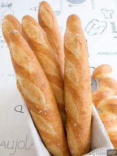 Zelf stokbrood bakken. Dat wil ik eens gaan proberen. Dit recept ziet er makkelijk uit.