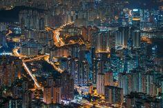 Hong Kong at night [2000x1333]