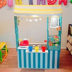 Diy Furniture Projects, Kids Furniture, Baby Play House, Cardboard Kitchen, Diy Toys, Toddler Toys, Guinea Pigs, Arcade Games, Toy Chest