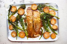 Salmon, sweet potato and greens. Jessica Sepel's one pan Japanese-inspired salmon recipe is full of nutrients and flavour, and it'll save on washing up. Healthy Cooking, Healthy Dinner Recipes, Healthy Eating, Cooking Recipes, Healthy Meals, Paleo Dinner, Healthy Options, Healthy Tips, Lunch Recipes