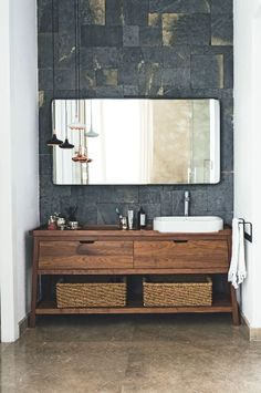 40 Tips to Upgrade Small Bathroom Decor with Wooden Storage - Elegance can be created in a little space.Tall bathroom storage cabinets may be used for a great number of storage requirements Wooden Bathroom, Bathroom Vanity, Small Bathroom, Stylish Bathroom, Minimalist Bathroom, Minimalist Bathroom Design, Bathroom Decor, Wood Bathroom Vanity, Bathroom Interior Design