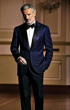 Check out the extra wide lapel on this mysterious navy blue tuxedo jacket. Similar to our Navy Lorenzo. www.friartux.com/styles