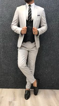 Collection: Spring Summer 2019 Product: Slim-Fit Wool Suit Color Code: Gray Size: Suit Material: wool royal lycra Machine Washable: No Fitting: Slim-fit Package Include: Jacket Vest Pants Only Gifts: Shirt Chain and Neck Tie Grey Slim Fit Suit, Mens Tailored Suits, Mens Casual Suits, Dress Suits For Men, Stylish Mens Outfits, Mens Fashion Suits, Mens Suits, Casual Outfits, Suit For Men